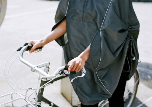 Rain-jacket-bikes-coat-iva-jean2